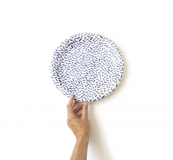 Kamionkowy talerz obiadowy, duży, płaski, ręcznie robiony, zdobiony kobaltem