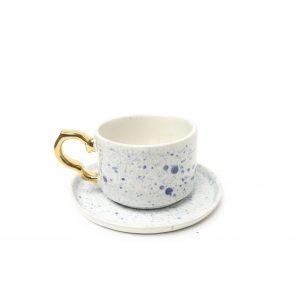 Filiżanka cappuccino marki emwustudio, kobaltowe wzorki, złote uszko